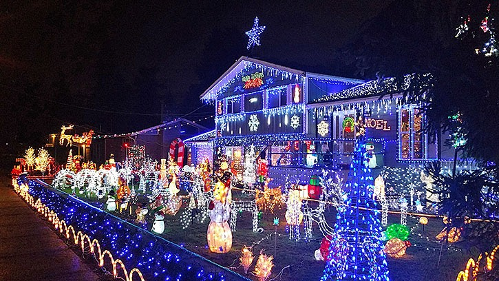 A Brookswood couple lights up their home each Christmas to raise money for BC Children's Hospital and to bring joy to local kids.