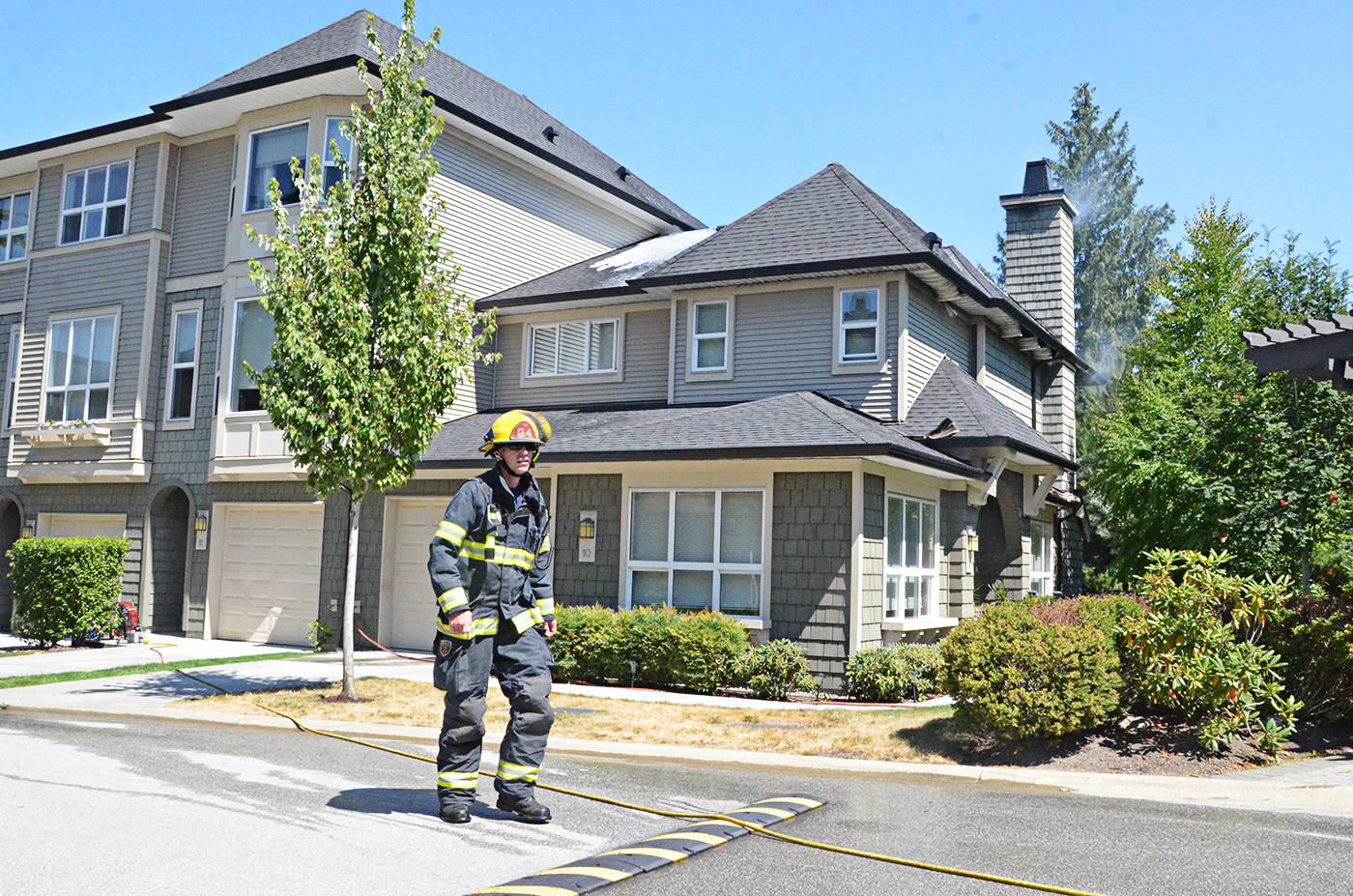 Fire damages Willoughby townhouse
