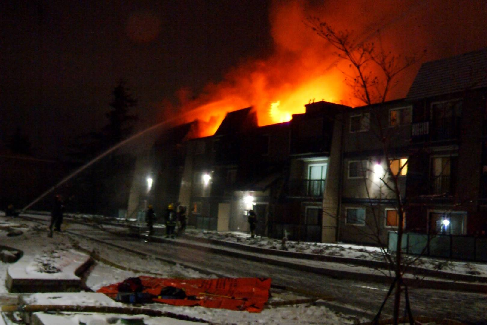 VIDEO: Woman found dead after Lower Mainland apartment fire