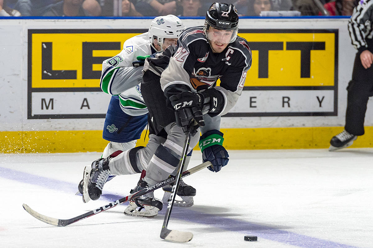 VIDEO: Giants slip past T-Birds in Game 3 of playoffs