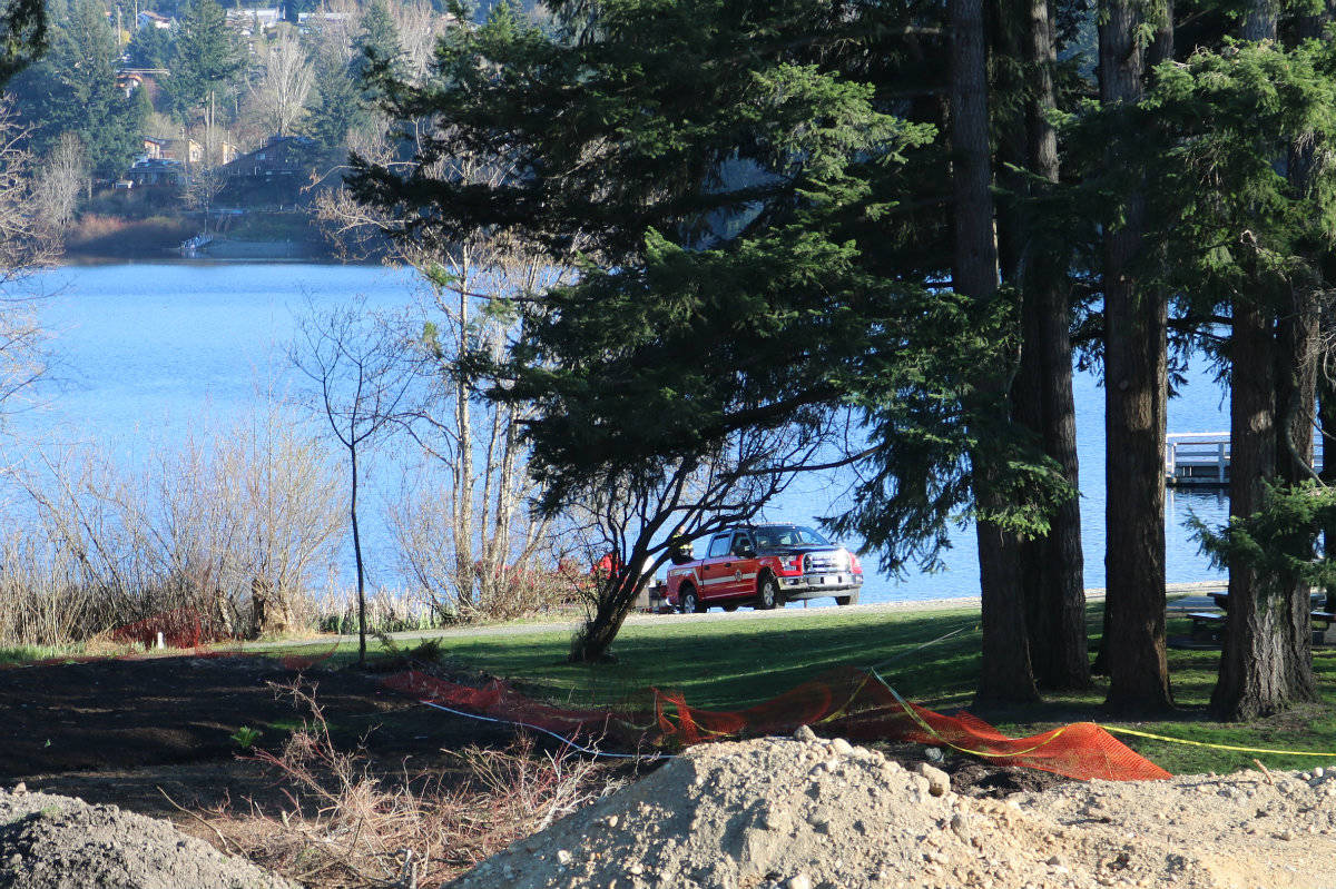 Emergency crews were on scene at Glen Lake Sunday after reports of a dead body found in the area. (Swikar Oli/News Staff)