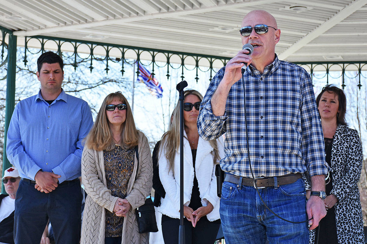 Mayor Mike Morden speaks at a rally opposing the B.C. government's decision to place modular housing for the homeless on Burnett Street. (THE NEWS/files)