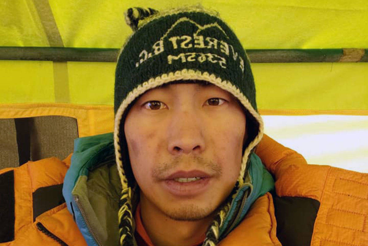 Chris Dare, of Victoria, reached the summit of Mount Everest on May 23. The climber has now ascended all seven summits. (Facebook/Chris Dare)
