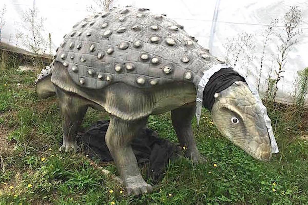 Dinosaur statue stolen from Lickman Road