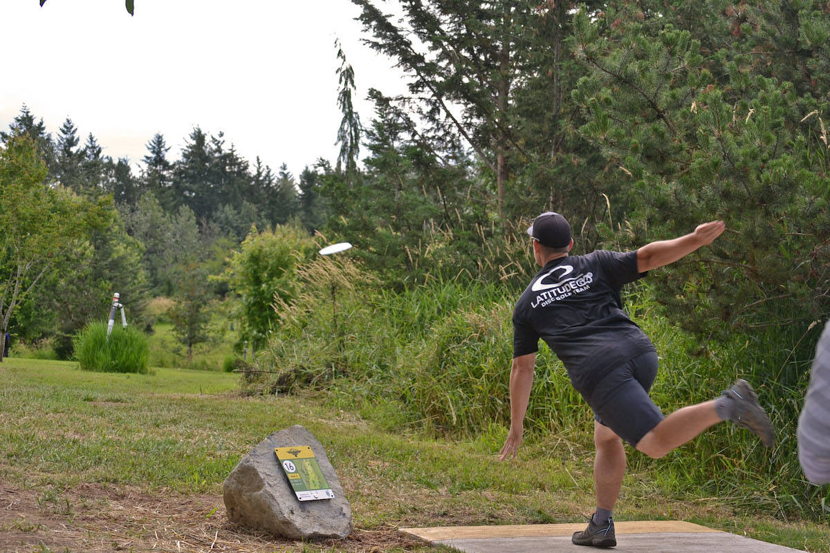 PHOTOS: Aldergrove disc golf course challenges pros and amateurs alike