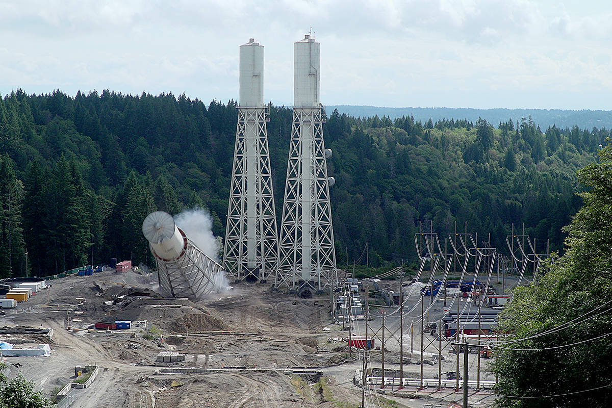VIDEO: Demolition crew topples defunct surge tower at B.C. hydroelectric project