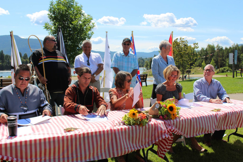 First Nations, governments agree to bring salmon back to Upper Columbia River