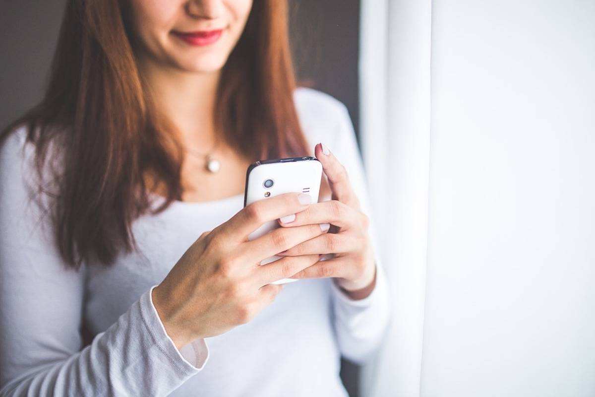 Woman fired for texting at work not just cause for termination