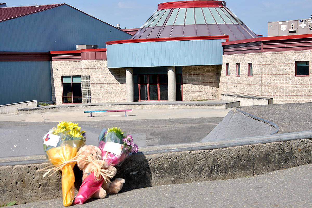 VIDEO: Evening vigil draws hundreds after death at Langley skate park