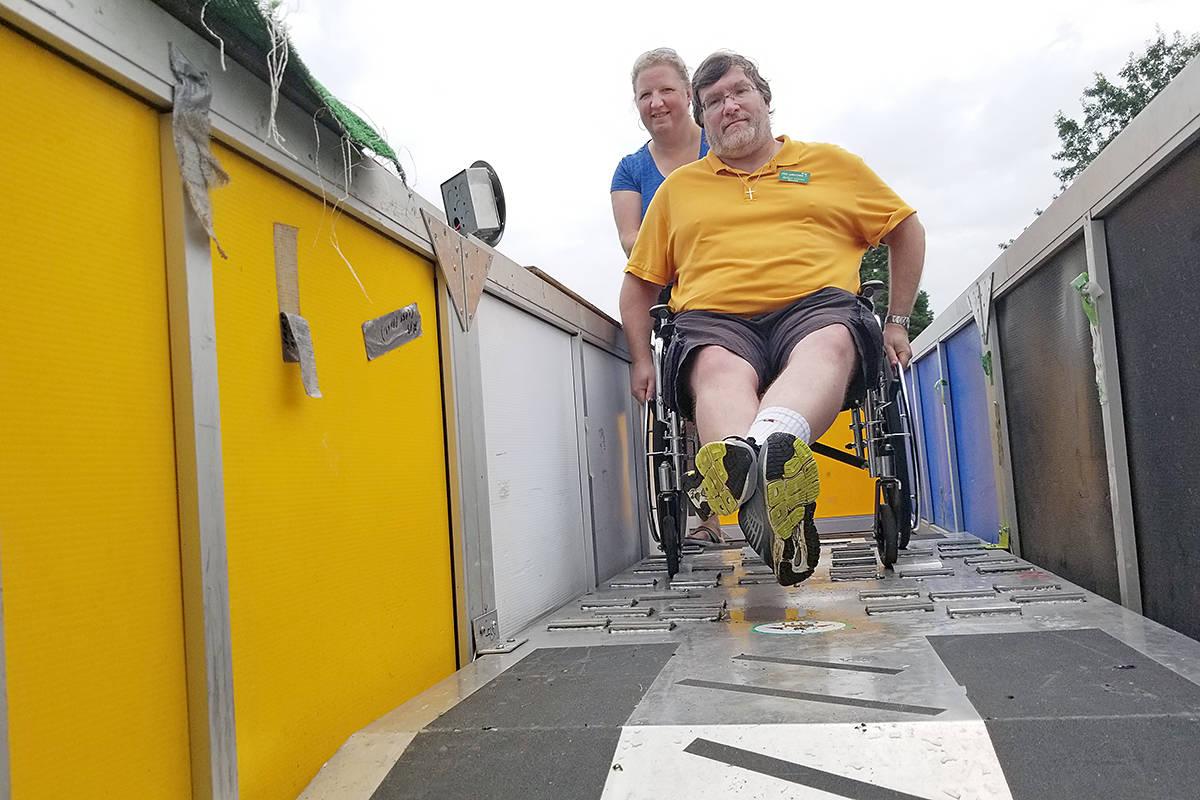 Langley Pos-Abilities Society president Robert Leroux tackles the wheelchair maze. (Dan Ferguson/Langley Advance Times)