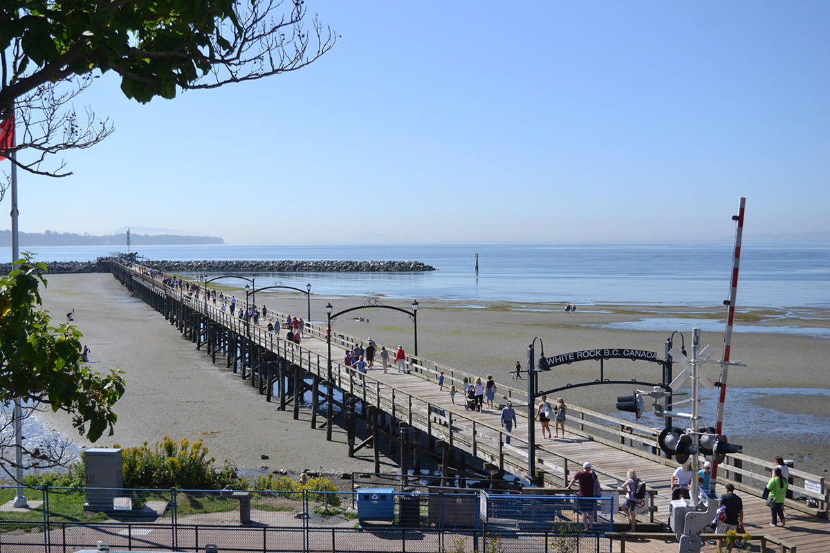 Hundreds of people gathered at the White Rock Pier Tuesday morning to celebrate the opening of the structure. (Aaron Hinks photos)