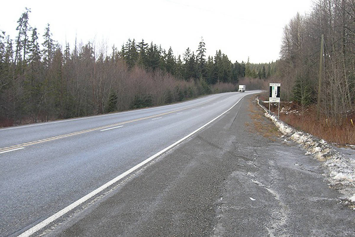 Should B.C. drivers be warned before heading into cellphone dead zones on rural highways?