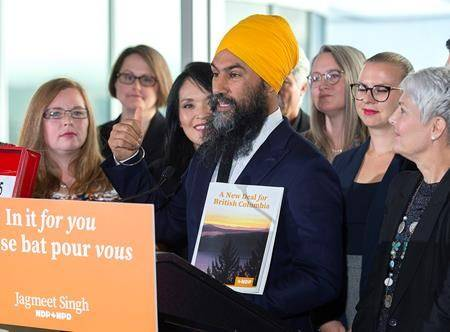 Trudeau, Scheer navigate climate marches that dominate federal campaign