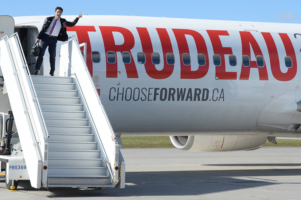 Liberal leader Justin Trudeau boards his campaign plane in Ottawa on Sunday, September 29, 2019. THE CANADIAN PRESS/Ryan Remiorz
