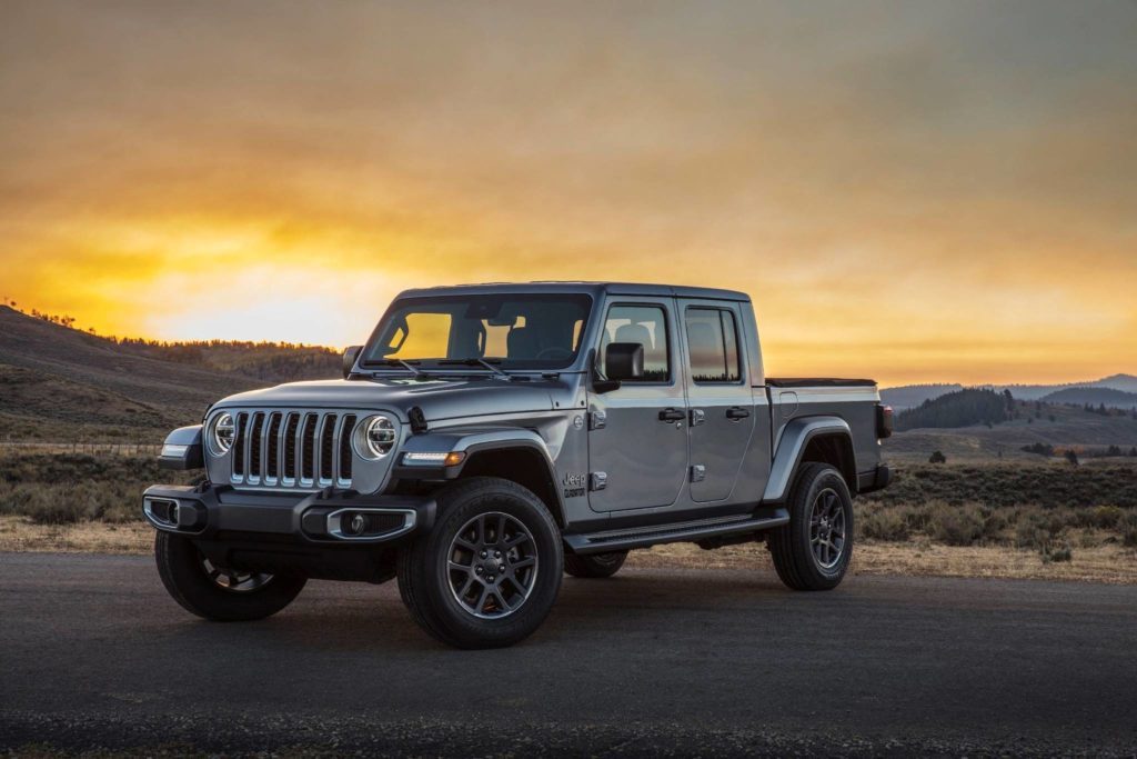 For the Gladiator to perform as a proper truck required a new frame that's stronger and longer than the Wrangler Unlimited's (by about 80 centimetres). The result is a class-leading tow rating of 3,480 kilograms and a payload rating of 730 kilograms. Photo: FCA