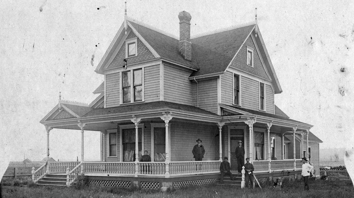 The Stewart farmhouse circa 1900. Surrey's Historic Stewart Farm is offering a taste of the past this holiday season by offering visitors a vintage Christmas experience. (Image via surrey.ca)