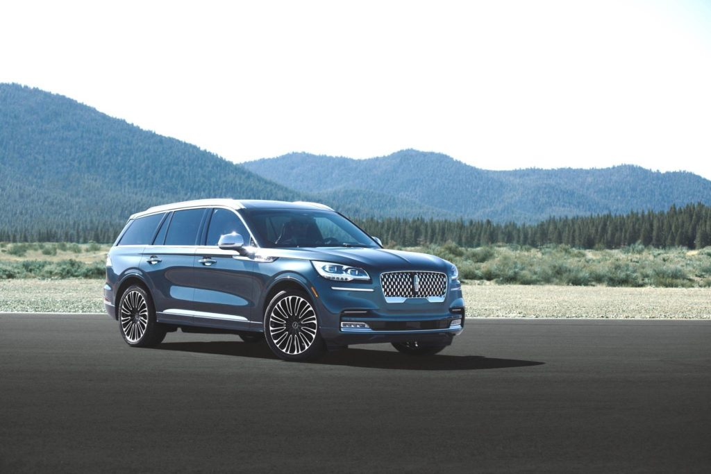 With plenty of competition from other luxury utilities, Lincoln is going all out to get buyer attention.