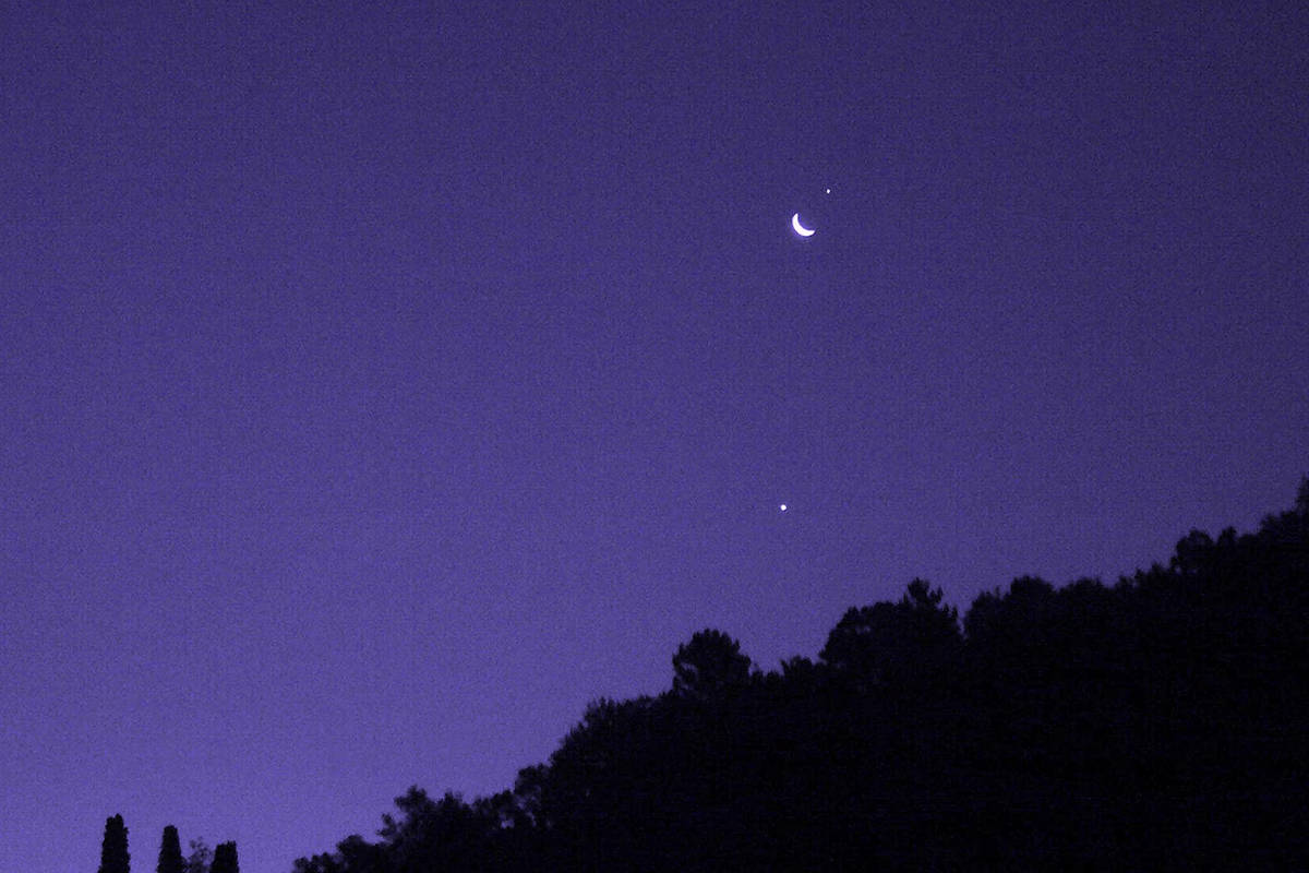 Venus and Jupiter appear close together in the sky during a conjunction. (Wikimedia Commons)