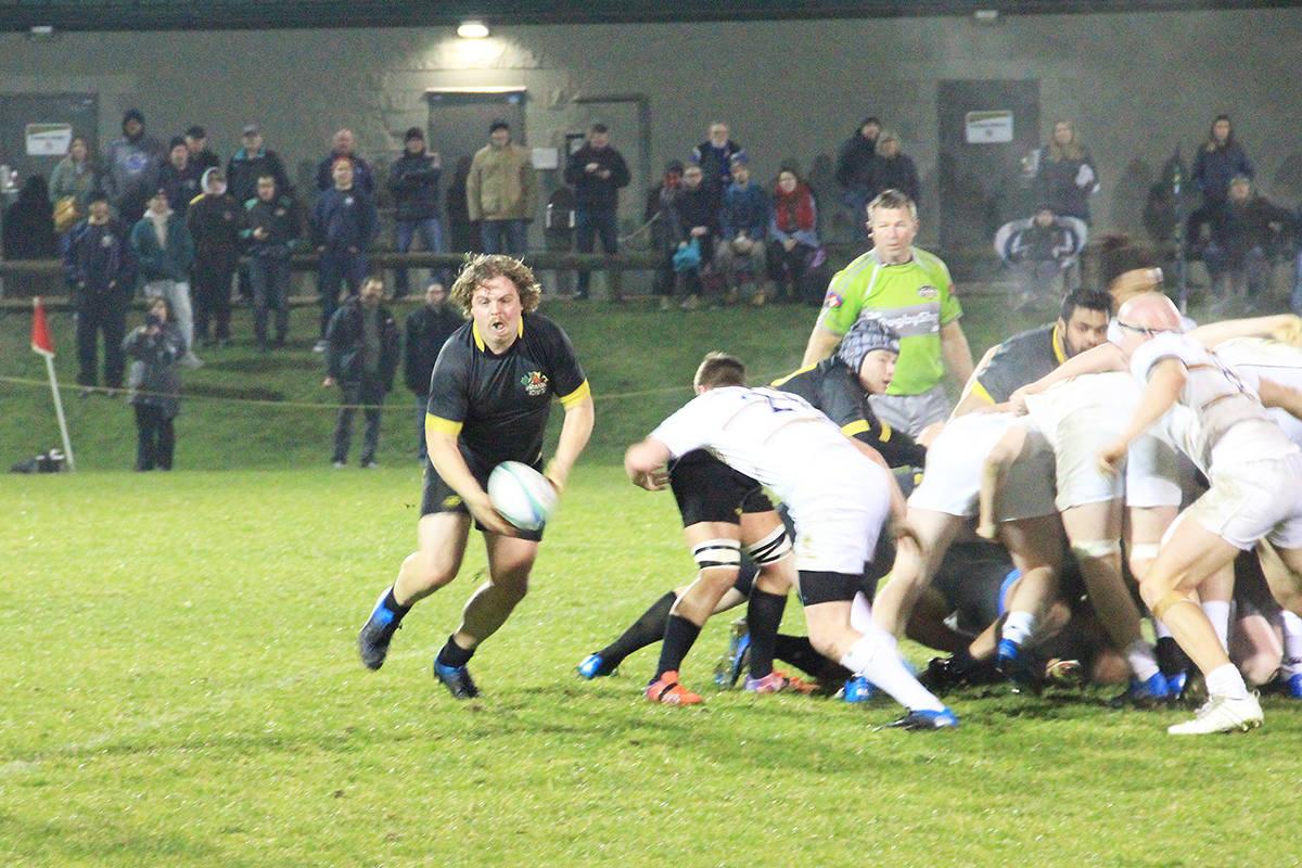 Matt Bose picks-and-goes from the back of a Surrey scrum. (Photo: Malin Jordan)