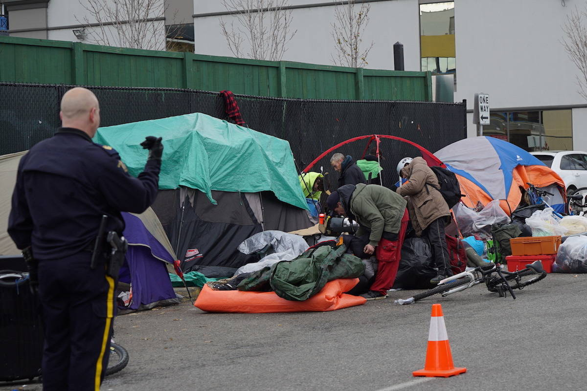 Kelowna officials choose two parks for temporary homeless camping, dismantle tent city