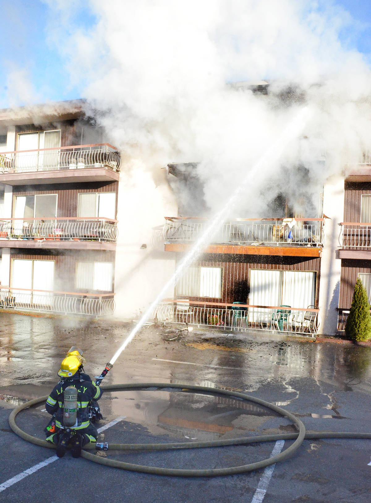 VIDEO: Fire strikes Langley City apartment building