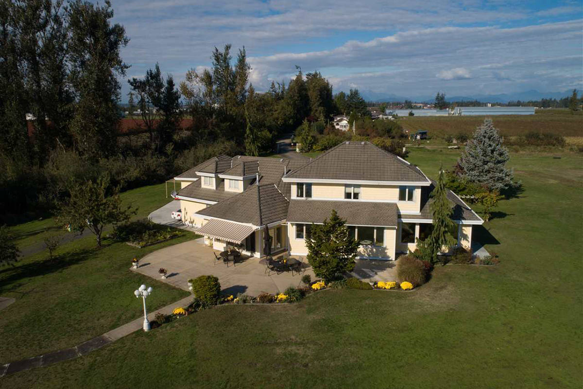 PHOTOS: House and access to hidden Abbotsford lake could be yours for $7.5 million