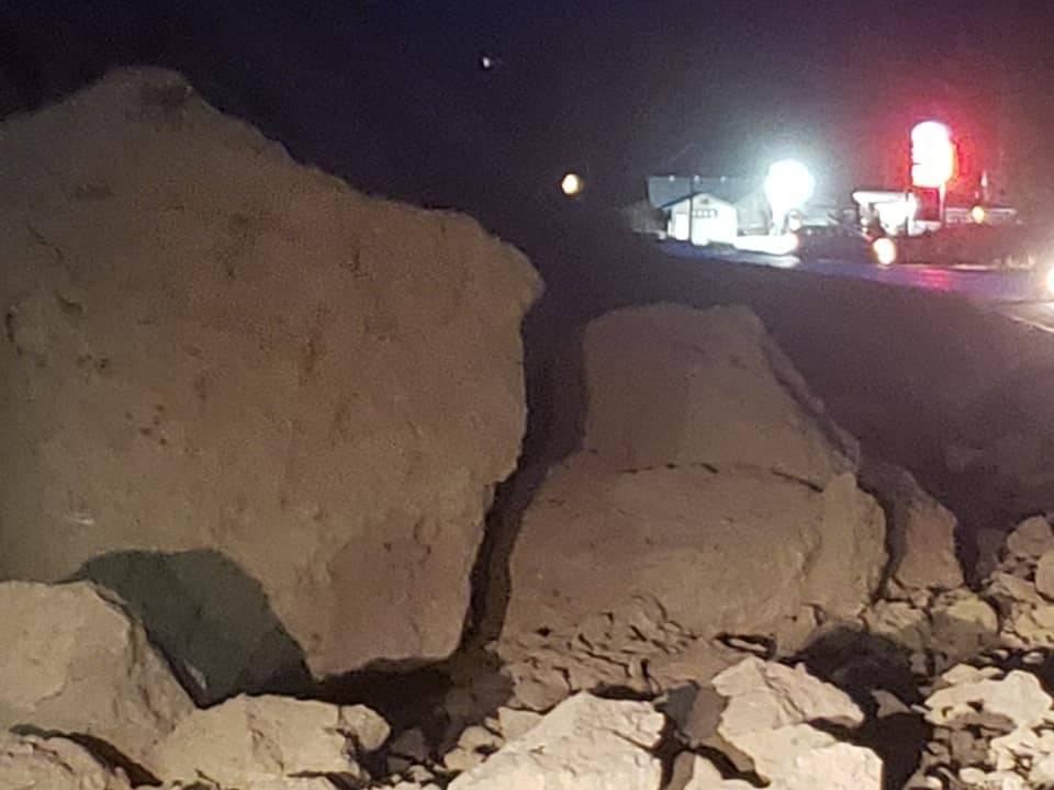 A rockslide on Highway 93, between Dutch Creek Road and Westside Road, in Fairmont Hot Springs on Dec. 5, 2019. (Wayne Walters)
