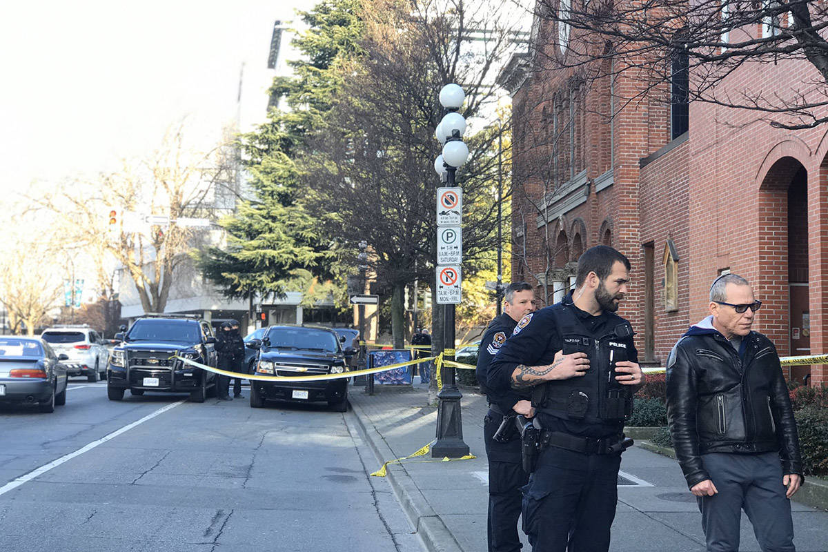 UPDATED: Man taken to hospital after barricading himself in Victoria synagogue