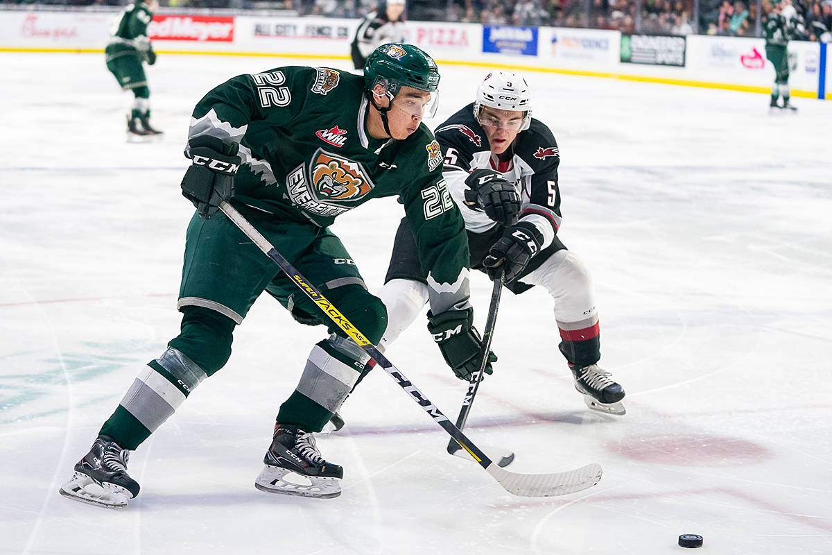 Giants player Jacob Gendron went for the puck Saturday night (Dec. 15) in Everett (Chris Mast/special to Langley Advance Times)