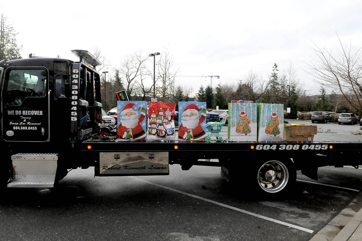 VIDEO: Celebrity Christmas Toy and Food Drive held for hope and recovery