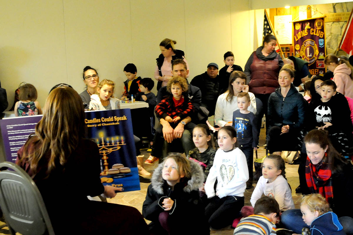 Langley's Jewish community gathers to celebrate Hanukkah