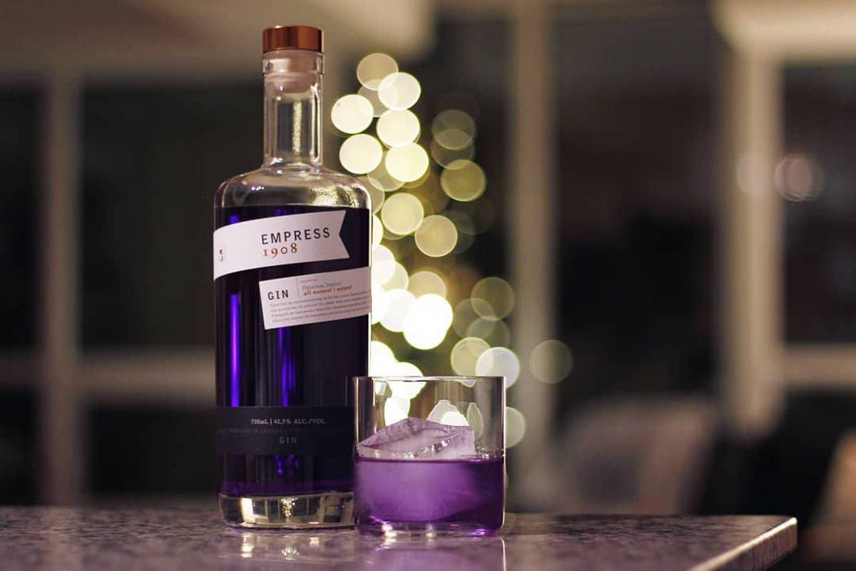 Victoria Distillers has crafted the official cocktail for Pantone's colour of the year. (Facebook/ Empress 1908 Gin)