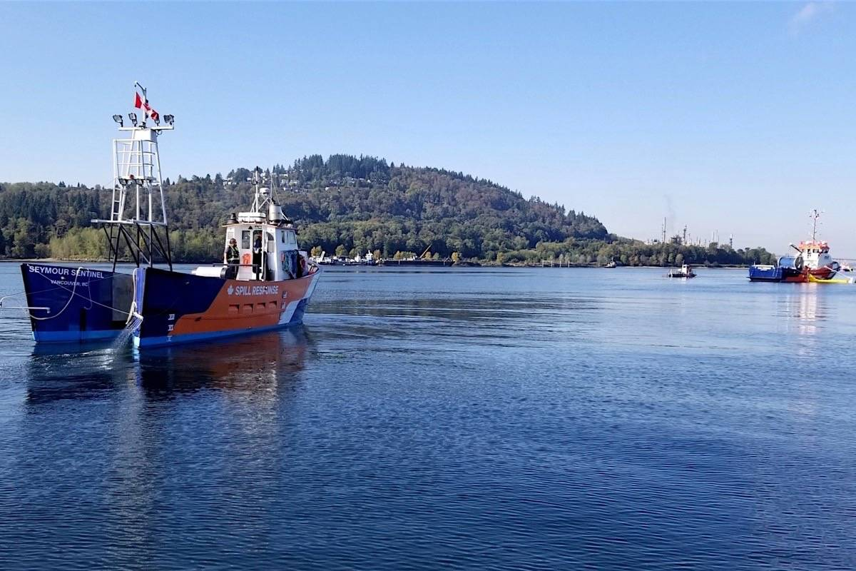 Spill response vessels take to Burrard Inlet for an exercise, Sept. 19, 2018. (Trans Mountain Corp.)