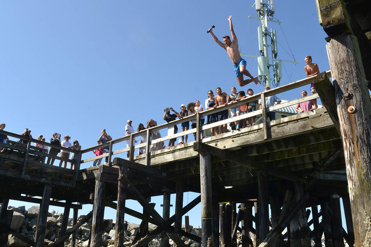 Hundreds of people gathered at the White Rock Pier to celebrate the opening of the structure. (Aaron Hinks file photo)
