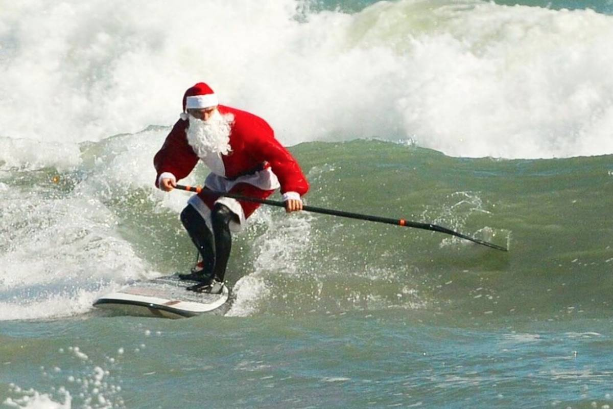 Instagram of Surfing Santas