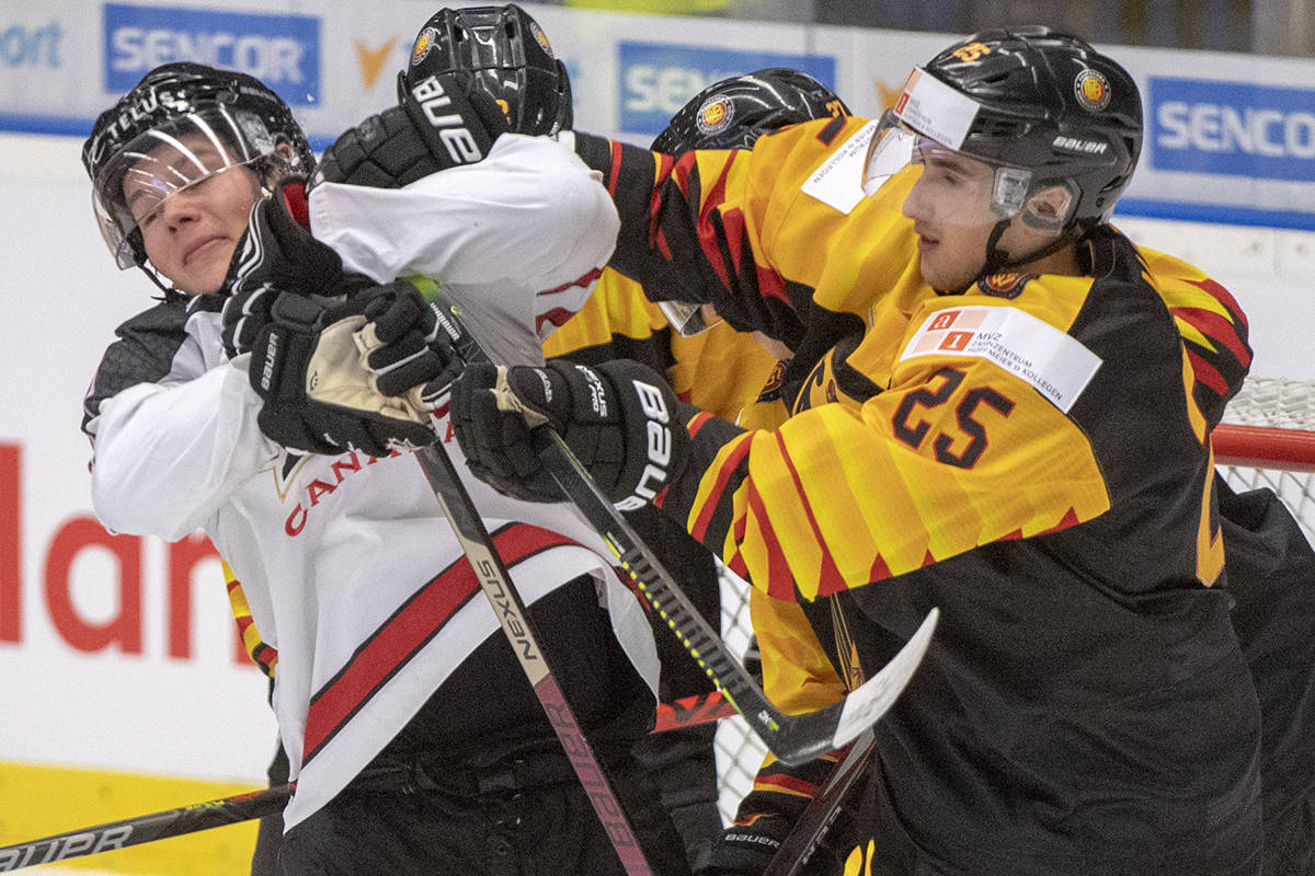 Hofer makes 18 saves as Canadian juniors dump Germany 4-1