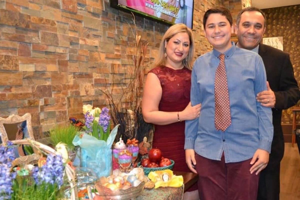 Niloo Razzaghi-Khamsin, along with her husband Ardalan Evnoddin-Hamidi and her teenage son Hamyar Ebnoddin Hamidi, all died in Tuesday's plane crash. (Photo: Facebook)