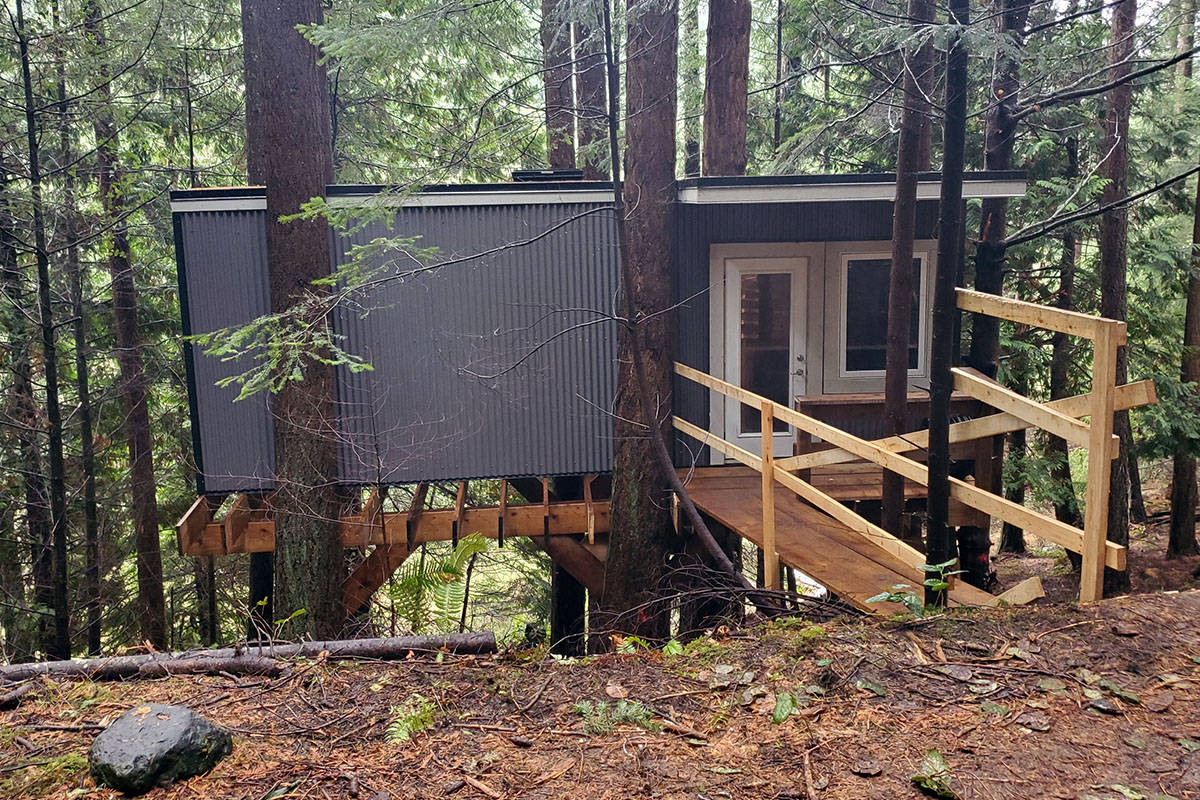 The completed treehouse on Mayne Island built by a handful of Parksville businesses as part of a Children's Wish initiative for eleven-year old Kai Hennessey. (Courtesy of Kevin Hennessey)