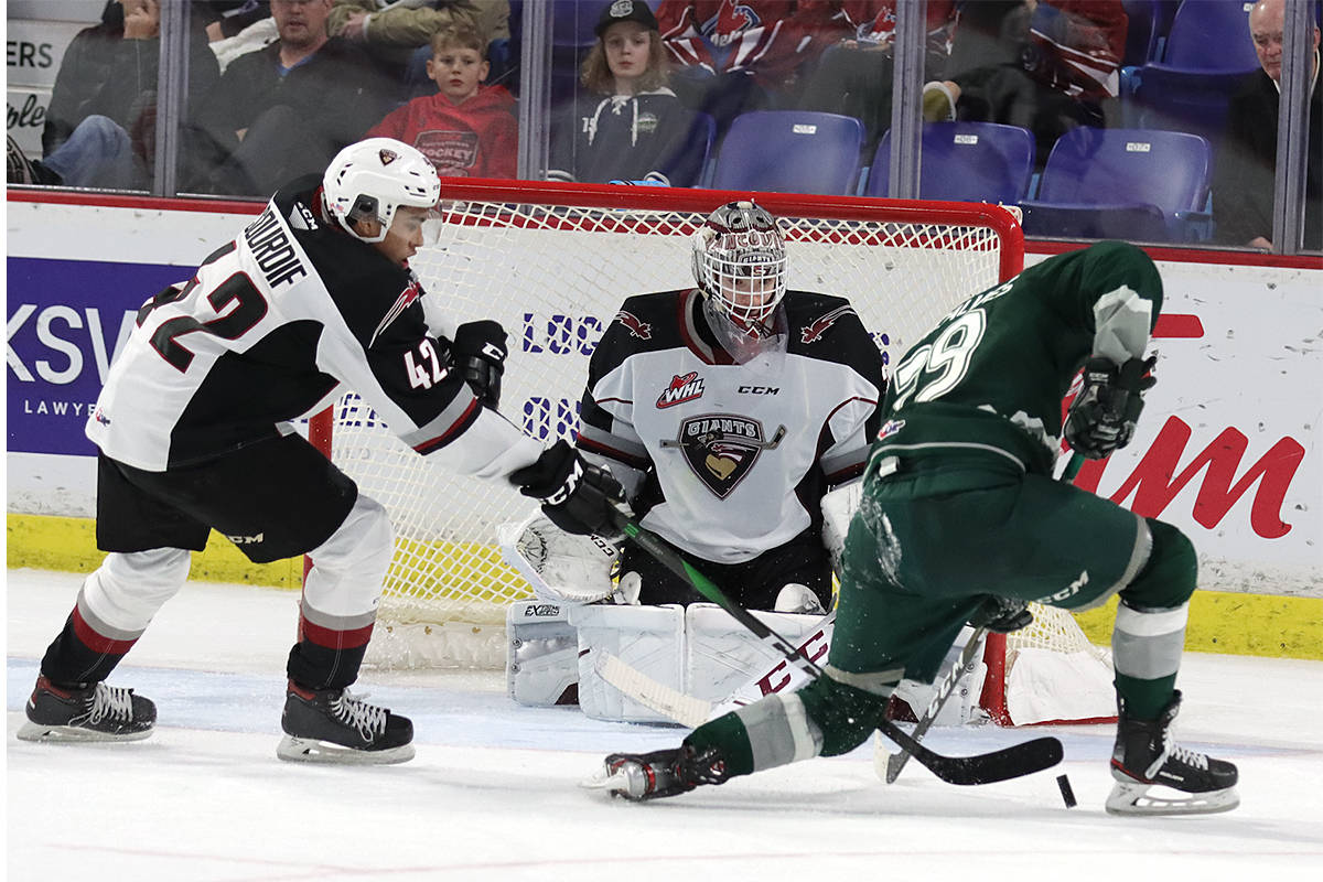 Thursday evening at the Langley Events Centre the Vancouver Giants (19-20-2-2) fell 2-1 to the visiting Everett Silvertips (30-11-3-1). (Rob Wilton/Special to the Langley Advance Times)
