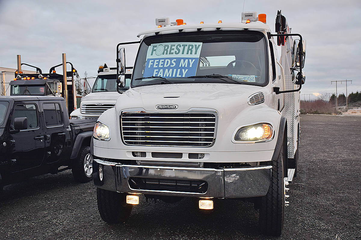 One of the vehicles heading off to Tuesday's rally in Victoria from Campbell River has a message for the provincial government. The rally began with a convoy setting off from Campbell River and stopping in at Parksville and Chemainus to pick up more rally participants. Photo by Alistair Taylor – Campbell River Mirror