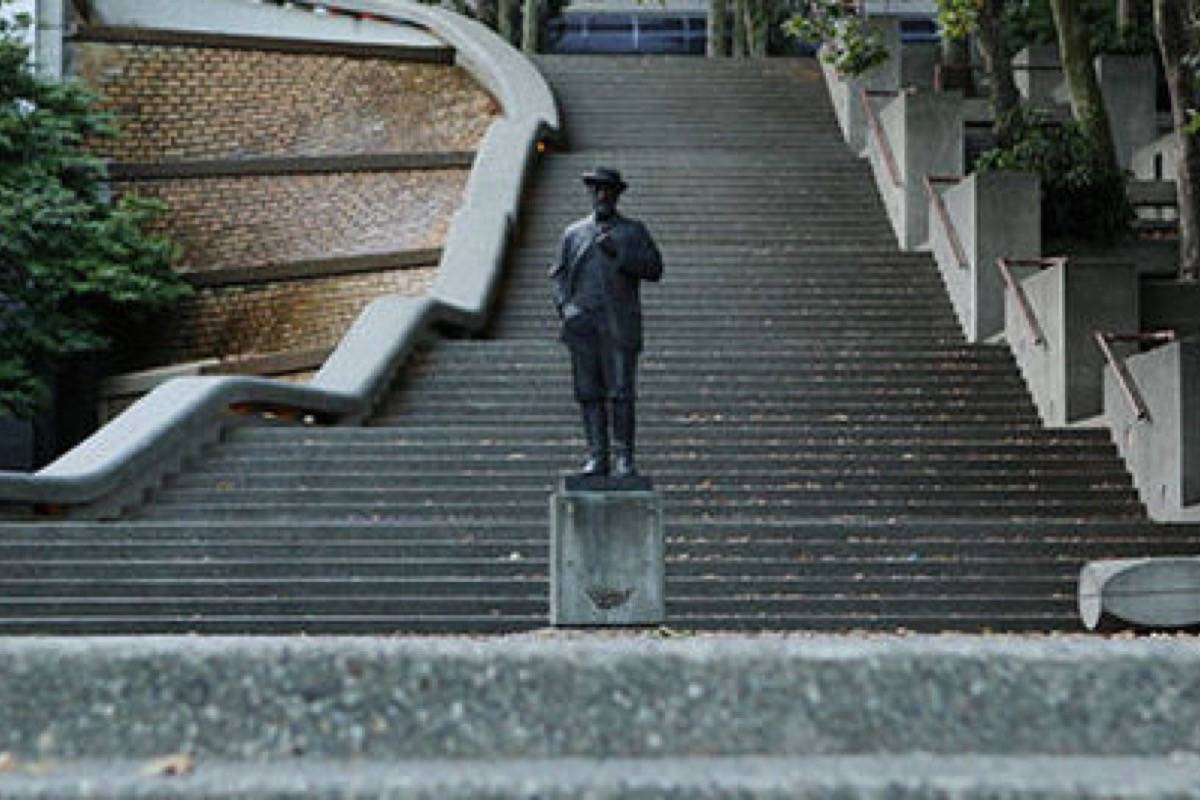 The former judge Matthew Begbie statue at the provincial courthouse in New Westminster. (City of New Westminster photo)