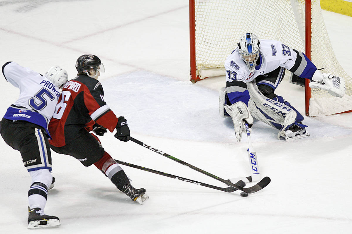 Saturday night, Feb. 29, in Victoria, the Giants downed the Victoria Royals (30-23-5-2) 6-2. In the second, Cole Shepard (11) made it a 4-0 lead for the Giants (Kevin Light/special to Langley Advance Times)