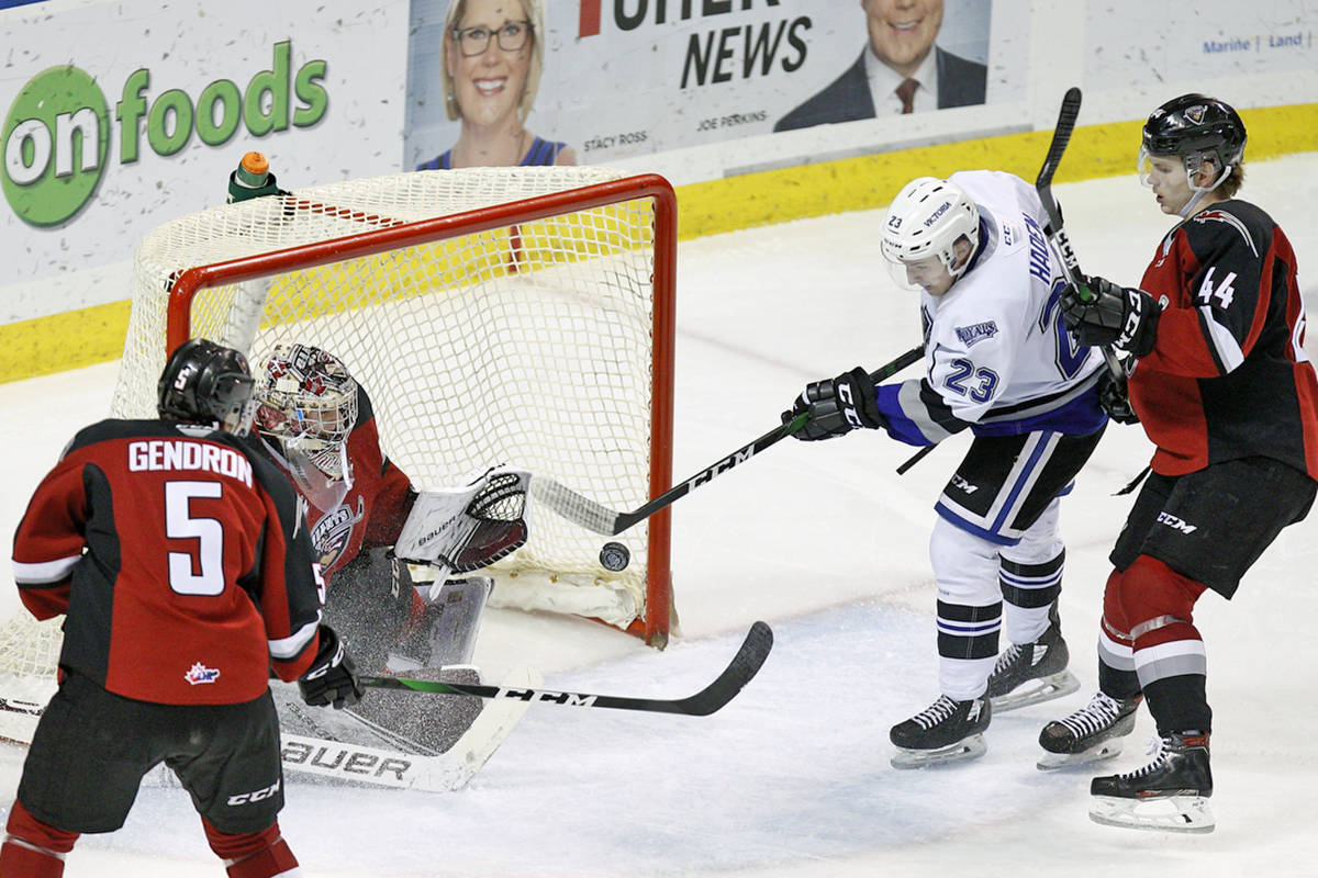 Saturday night, Feb. 29, in Victoria, the Giants downed the Victoria Royals (30-23-5-2) 6-2. Trent Miner stopped 29 of Victoria's 31 shots to secure his 14th win of the season(Kevin Light/special to Langley Advance Times)