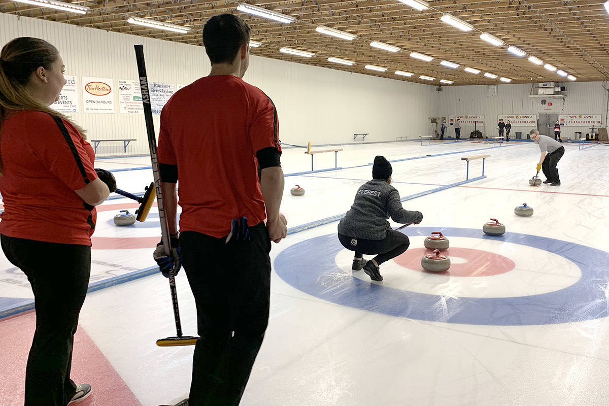 Victoria pair win mixed doubles curling championship in Hope