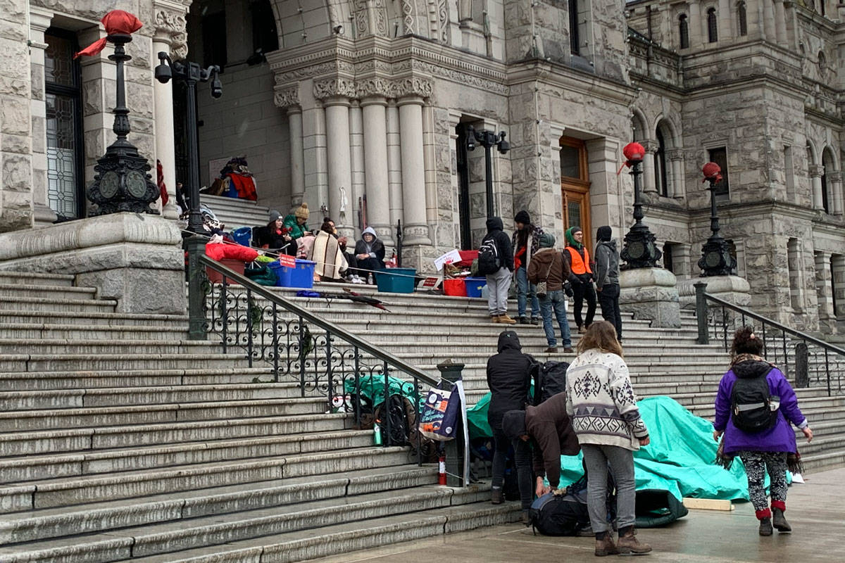 The steps of the B.C. Legislature building began to empty Thursday as Indigenous youth and supporters packed up. (Shalu Mehta/News Staff)