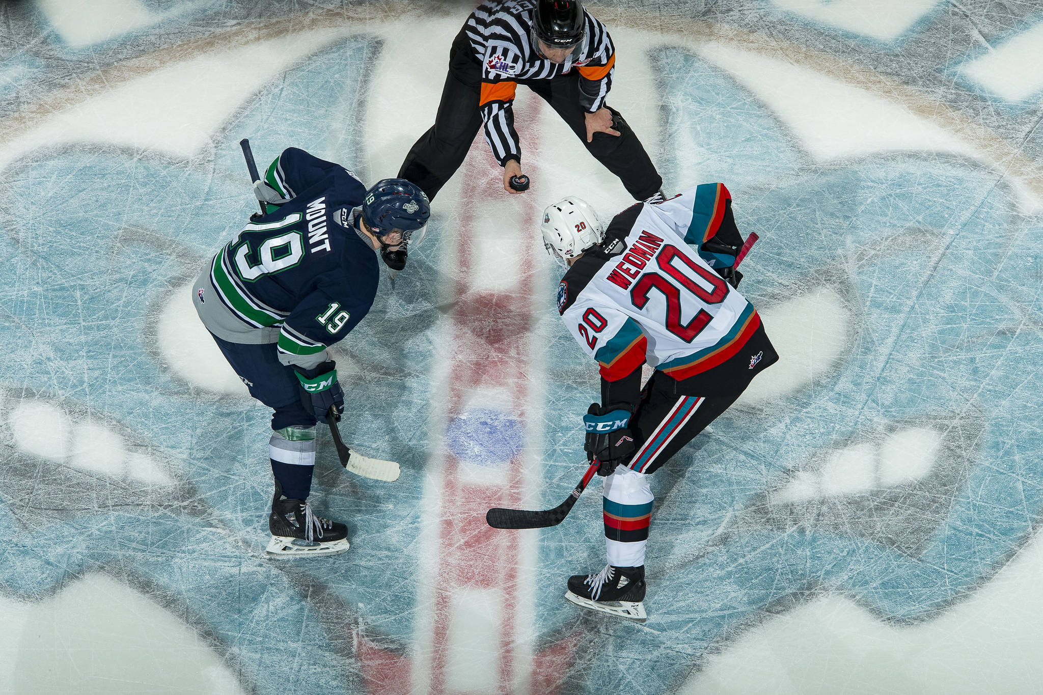Kelowna's Matthew Wedman takes a face-off against his old team the Seattle Thunderbirds. (Photo by Marissa Baecker/Kelowna Rockets Images)