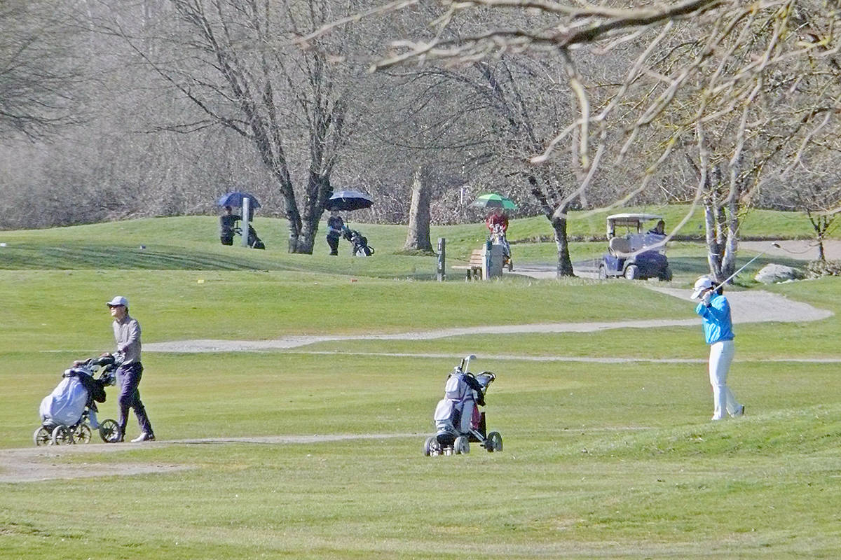 A sunny spring day saw dozens of golfers lined up at the Belmont Golf Course in Fort Langley on Saturday, March 21. (Dan Ferguson/Langley Advance Times)