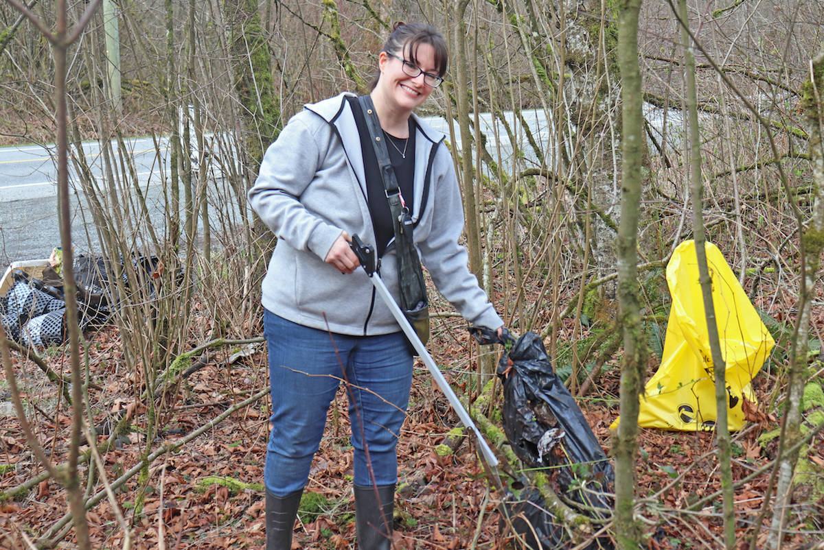 Aldergrove mom tackles community's 'out of hand' trash problem