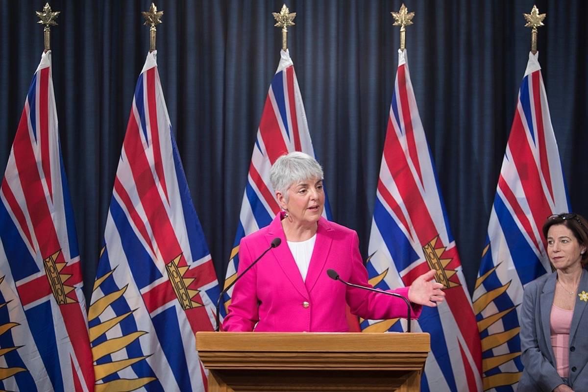 B.C. Finance Minister Carole James and Municipal Affairs Minister Selina Robinson (Black Press files)