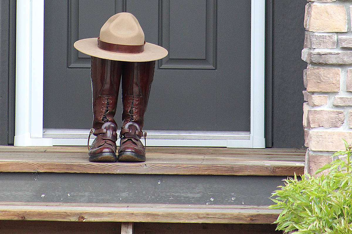 Langley Mountie creates tribute to fallen officer